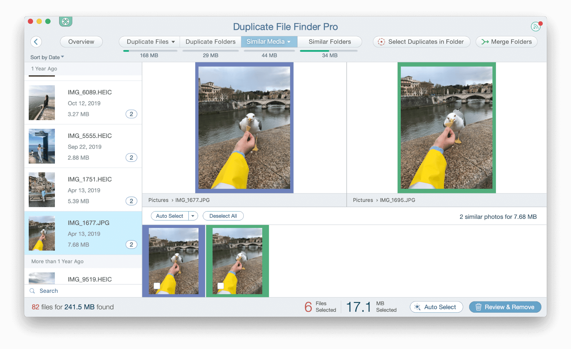 Similar photos are displayed in Duplicate Finder